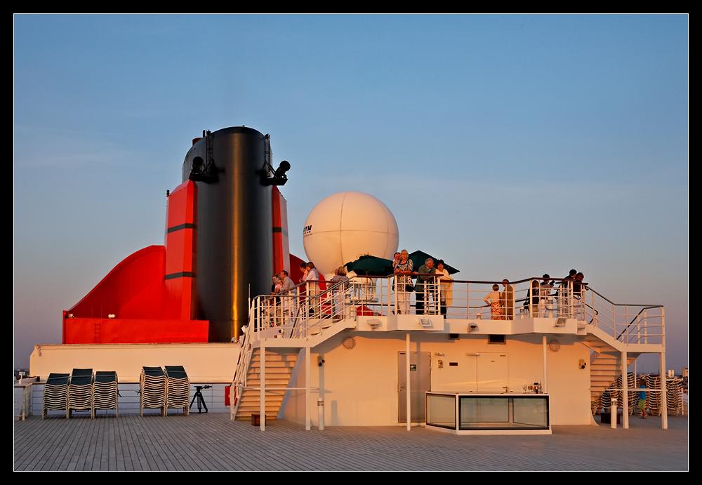 Queen Mary 2 Sundeck @ Sundown /2.