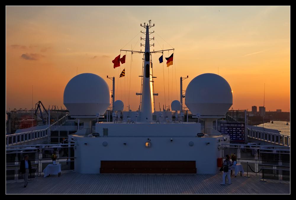 Queen Mary 2 Sundeck @ Sundown