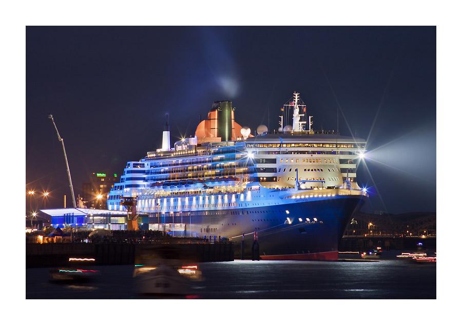 Queen Mary 2 - Warten auf den Abschied
