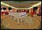 """Queen Mary 2 - """"Winter Garden Café"""""""