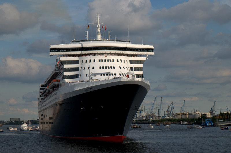 Queen Mary II noch im Hafen