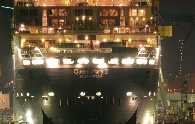 Queen Mary in Dock 17