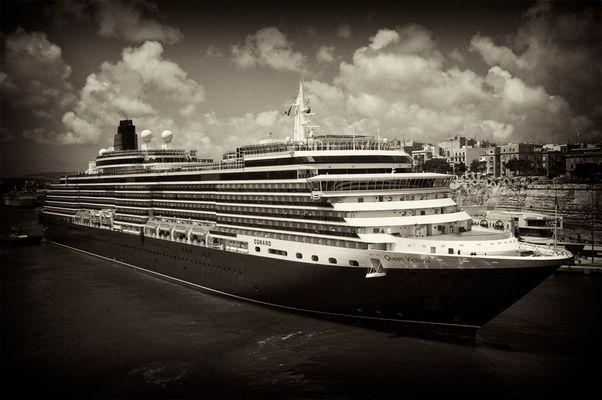 Queen Victoria b & w