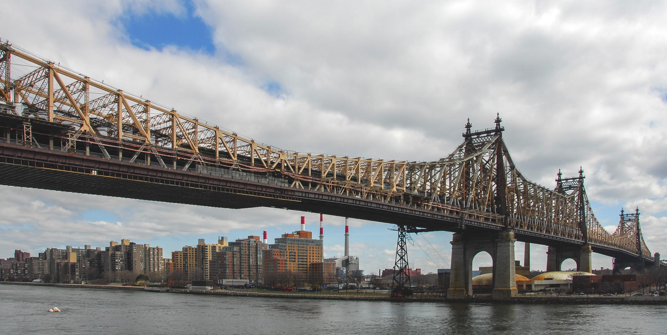 Queensboro Bridge und Roosevelt Island