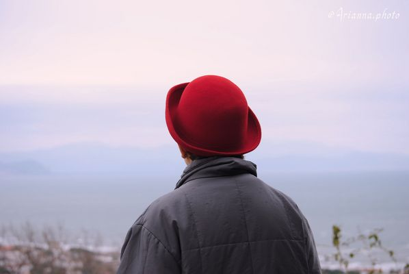 Quel cappello rosso nostalgico...