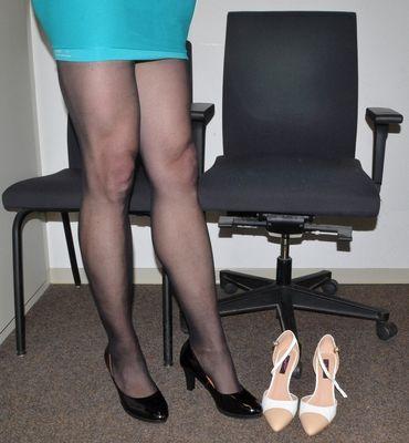 Quelle chaise? Quelle chausettes?