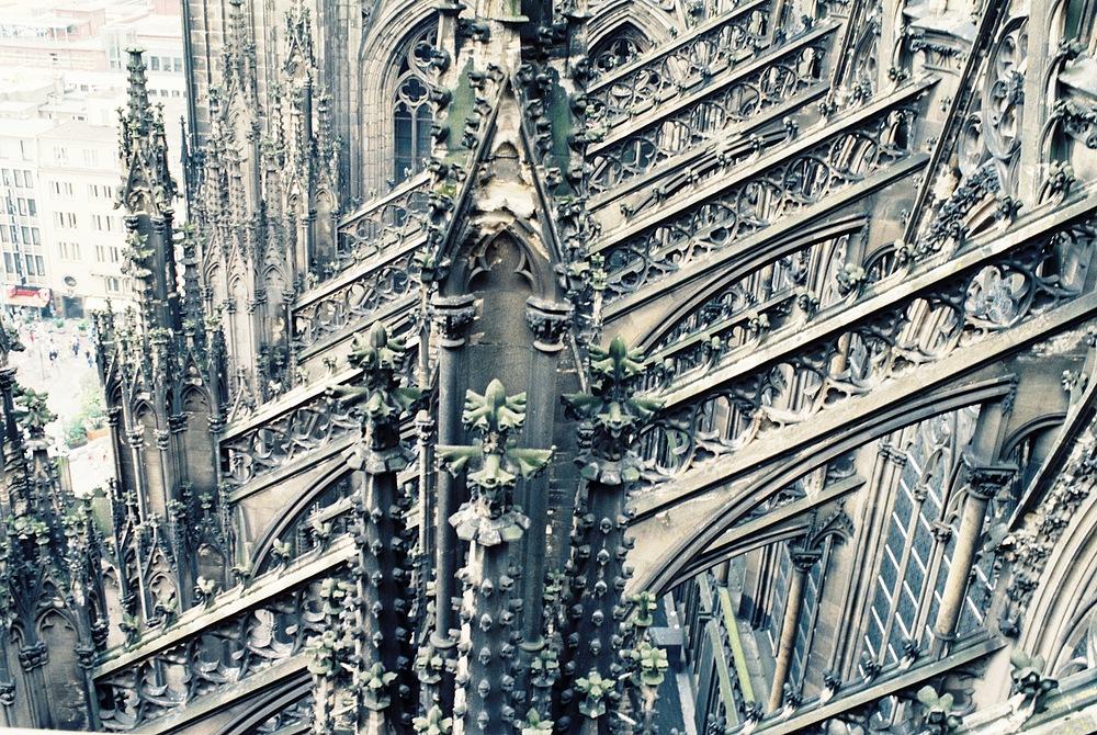 Querstreben des Kölner Doms in 45 m Höhe Südseite