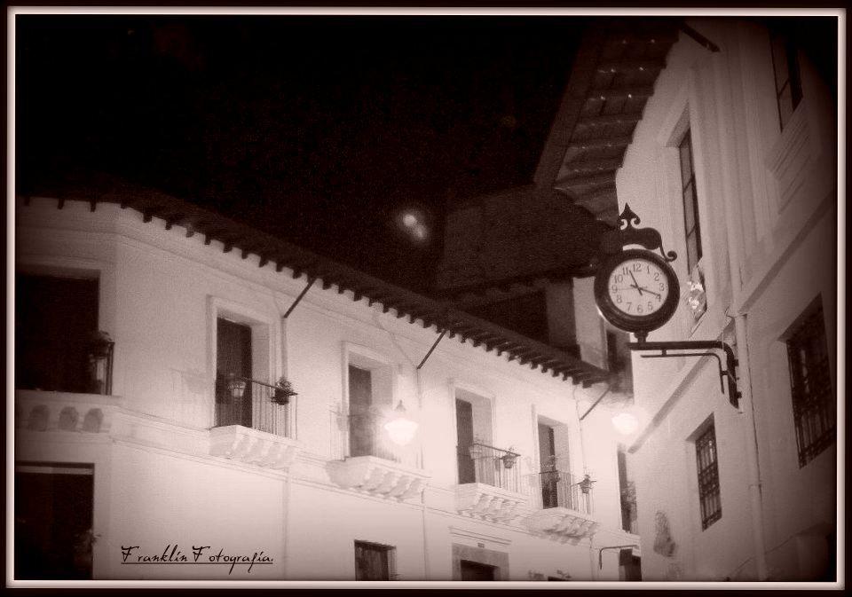Quito nocturno. (fek76@hotmail.com) derechos reservados.