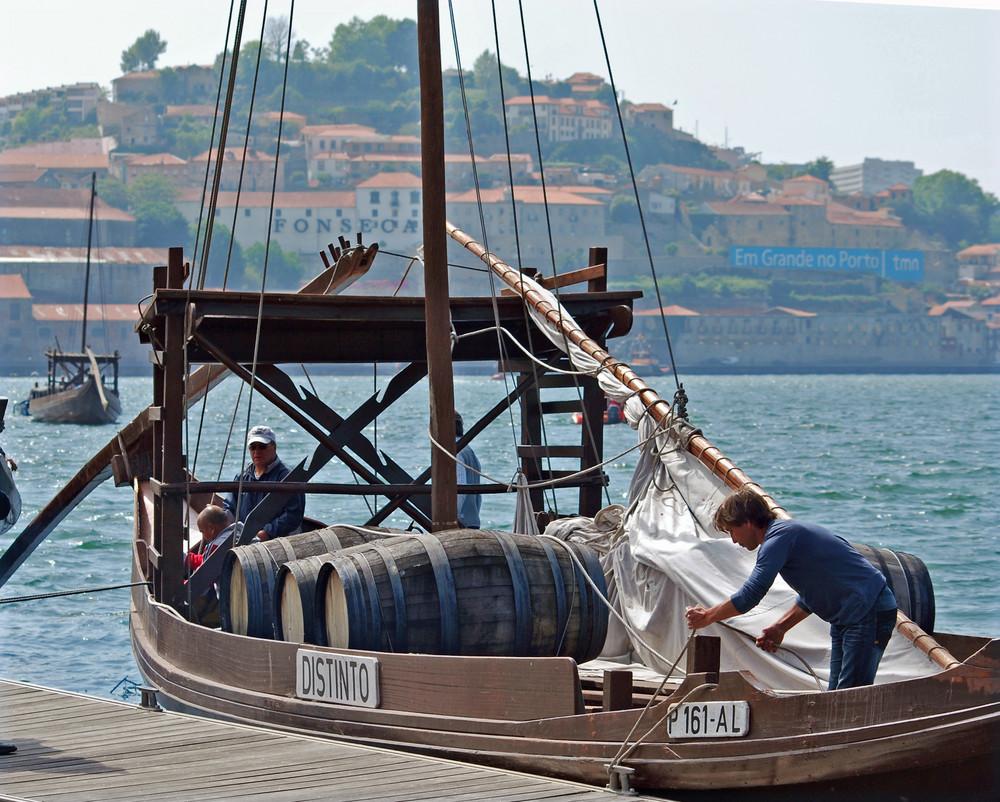 Rabelo sur les quais de Vila Nova de Gaia (Porto) au Portugal