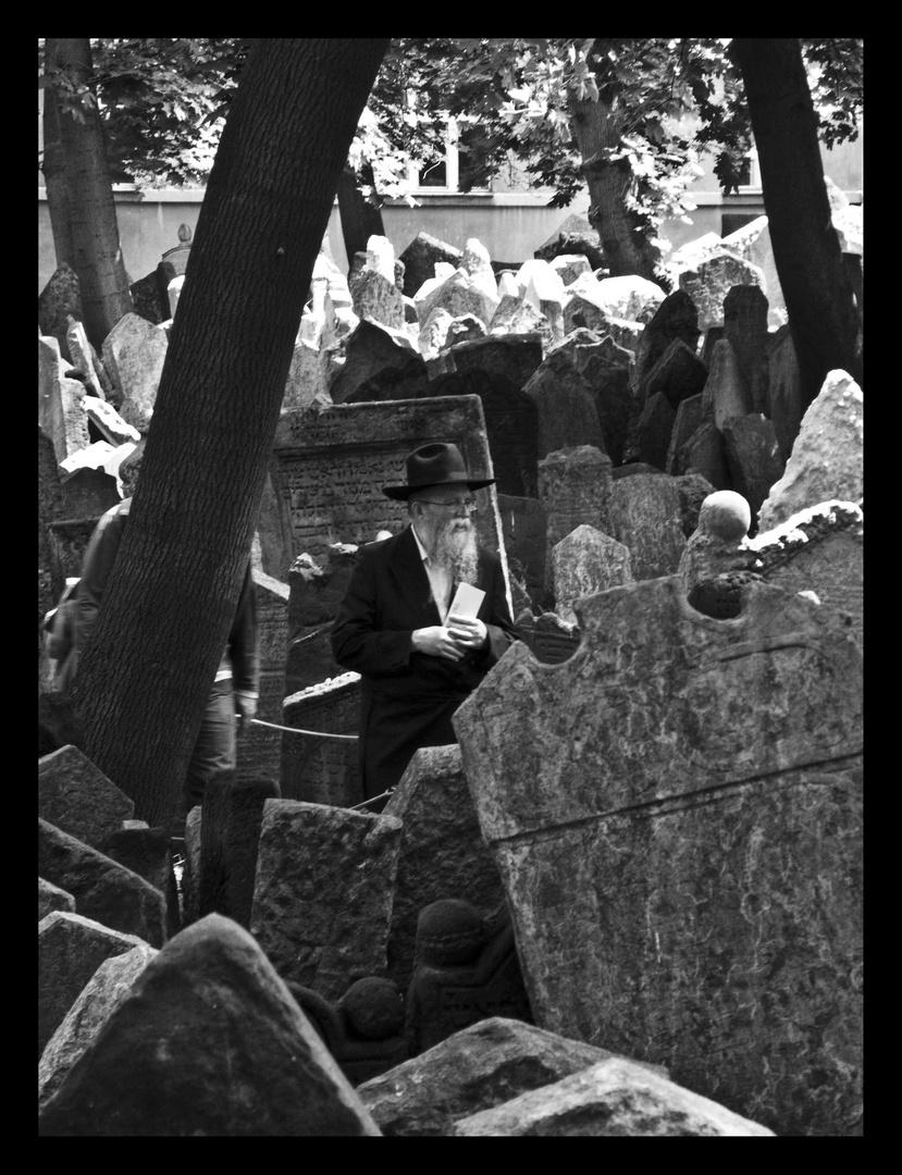 Rabino recordando a los suyos