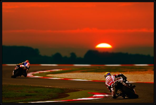 * Racing In Sunset *