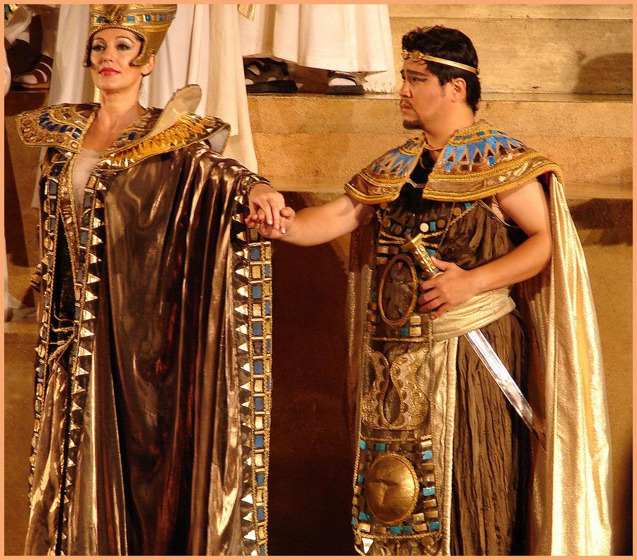 """Radames und amneris - hauptfiguren in der oper """"aida"""" und gott verdamme die"""