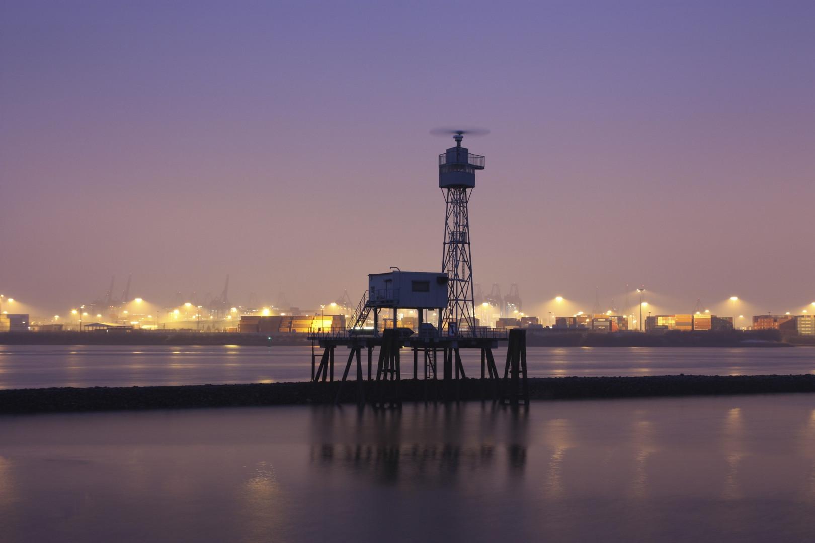 Radarstation im Hafen