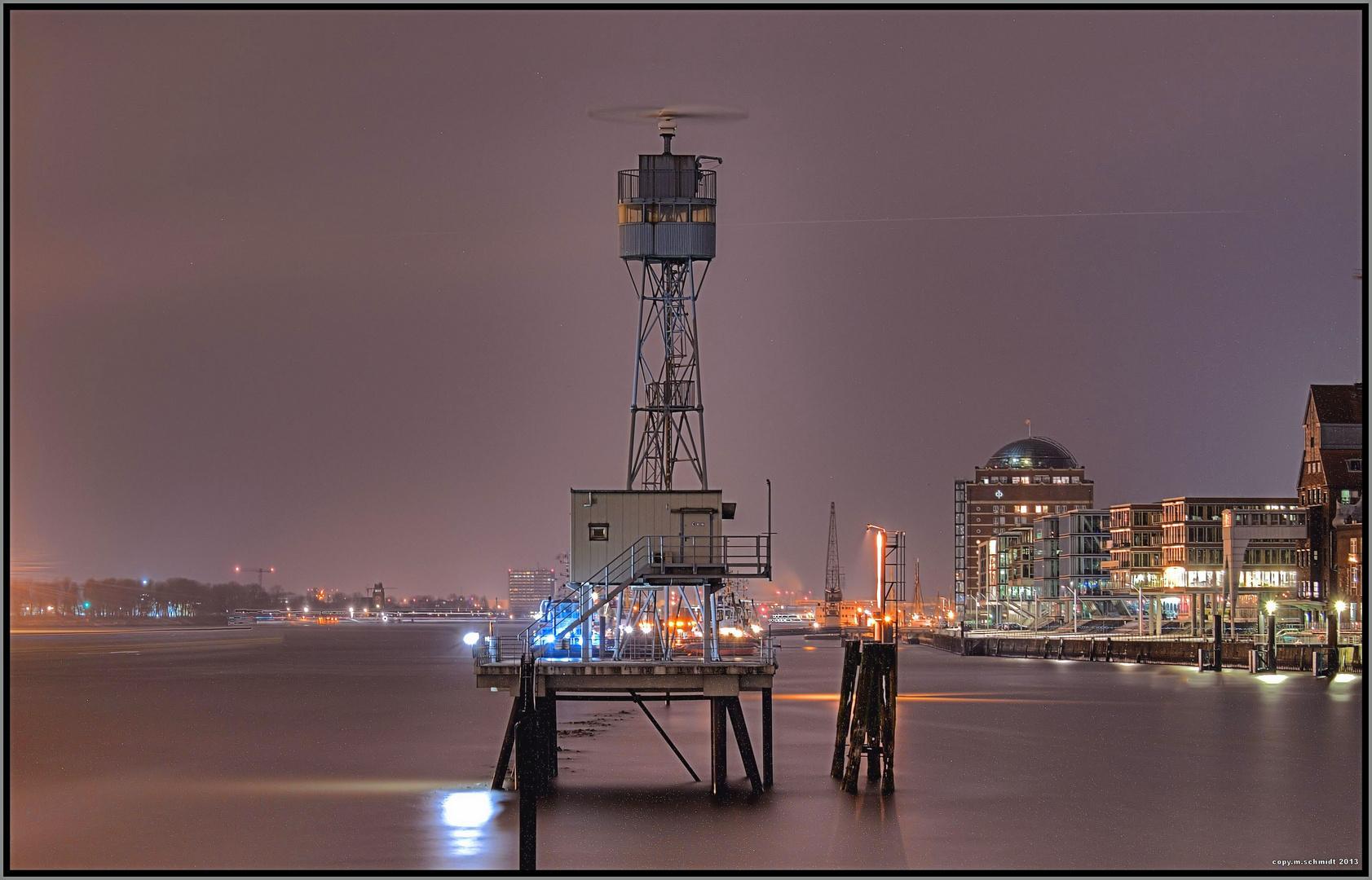 Radarturm auf der Elbe
