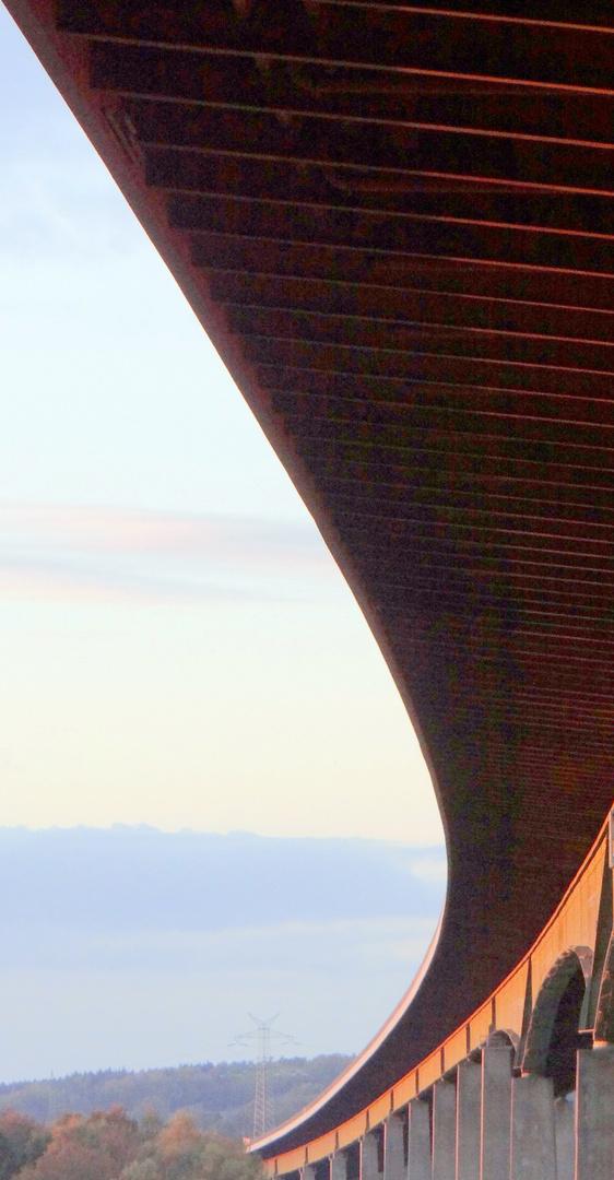 Rader Hochbrücke im Sonnenuntergang