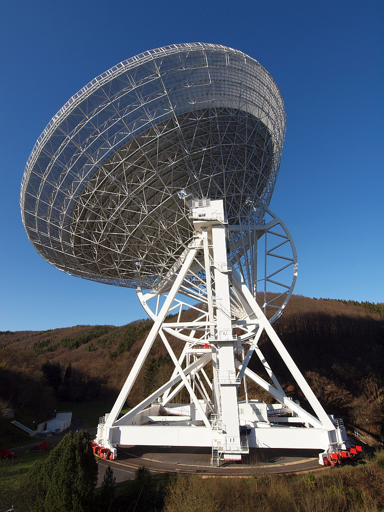 Radioteleskop bei Effelsberg in der Eifel