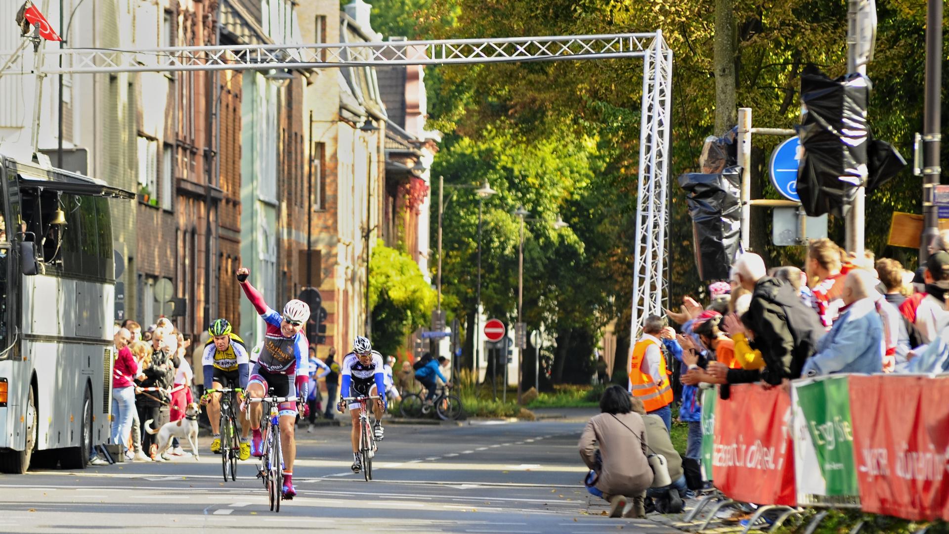 Radrennen Straßenrennen 01