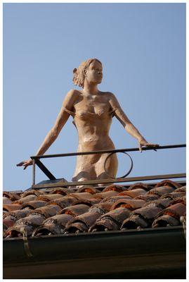 Ragazza sul tetto...ovvero Medusa colpisce ancora!