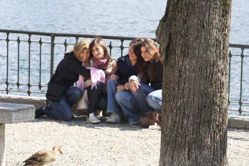 ragazze con anatra