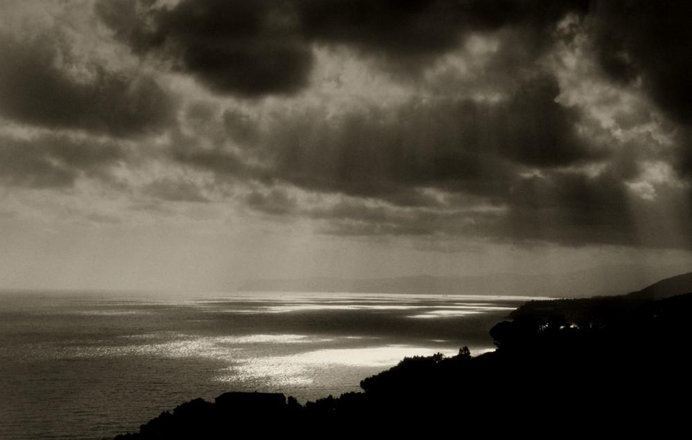 Raggi di sole sul mare
