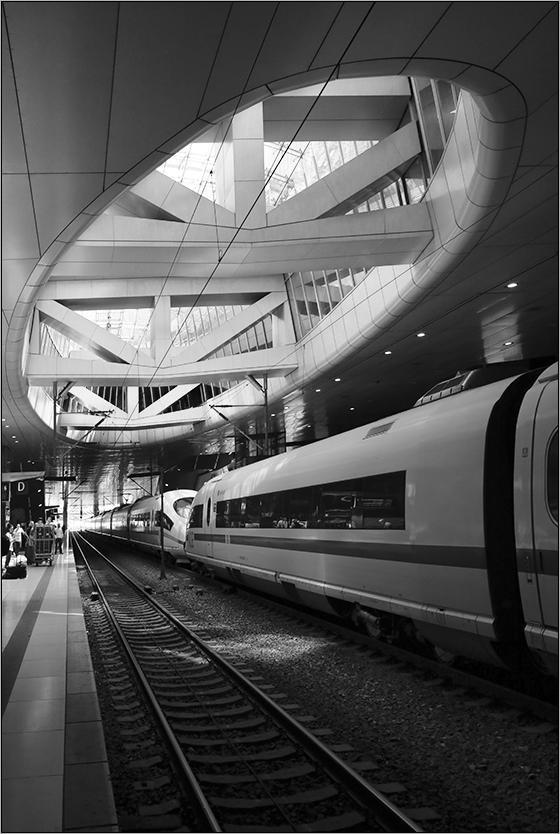 ... rail&fly ...