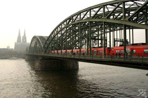 Rails over the Rhein_Cologne