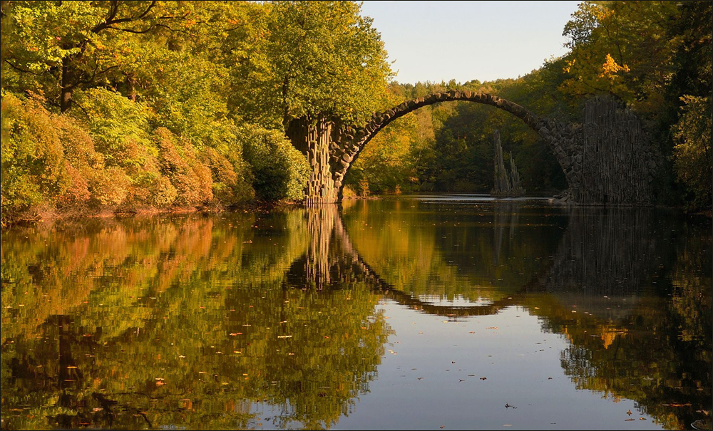 Rakotzbrücke im Kromlauer Park ...,