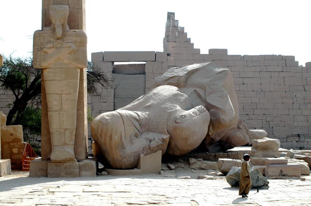 Ramses II. und einer seiner Erben