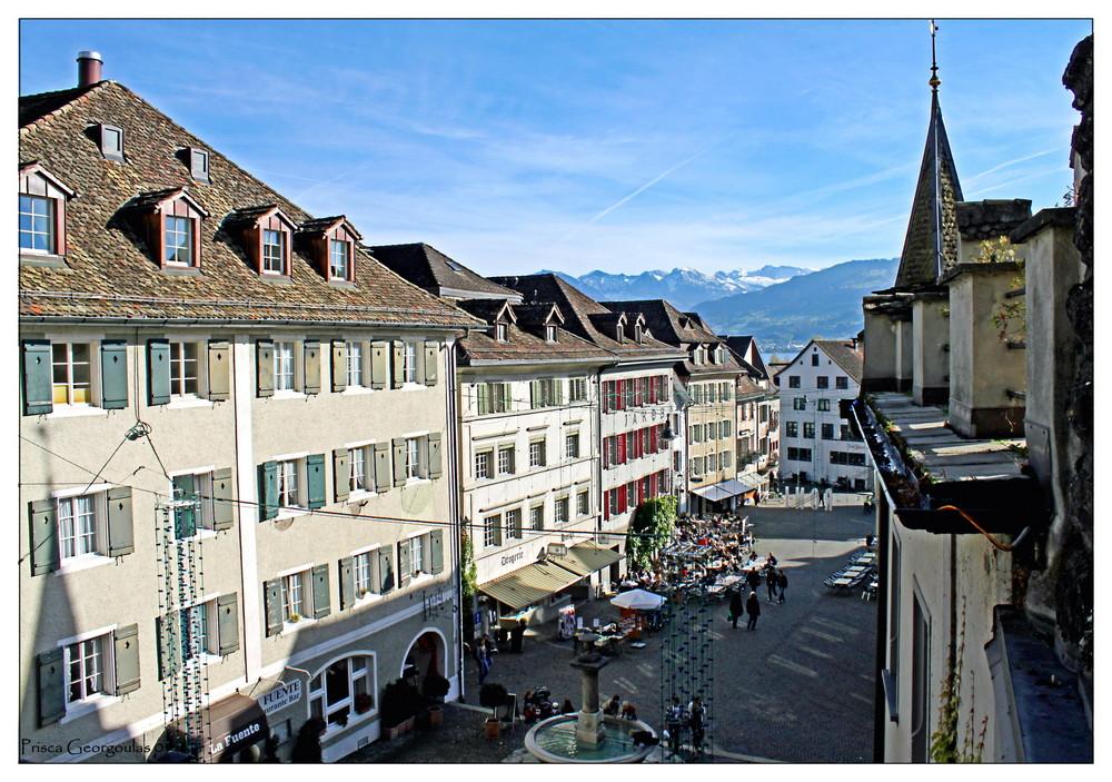 Rapperswil - Blick vom Schloss auf den Hauptplatz und die Glarner Alpen!