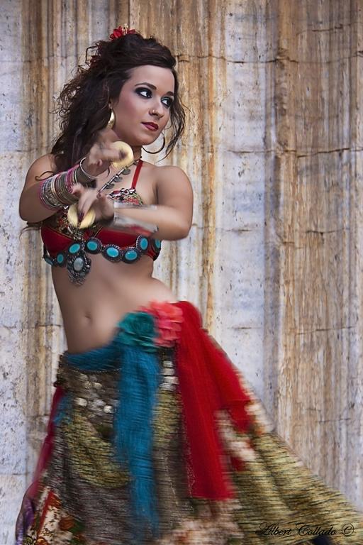 Raqs Sharqi - رقص شرقي