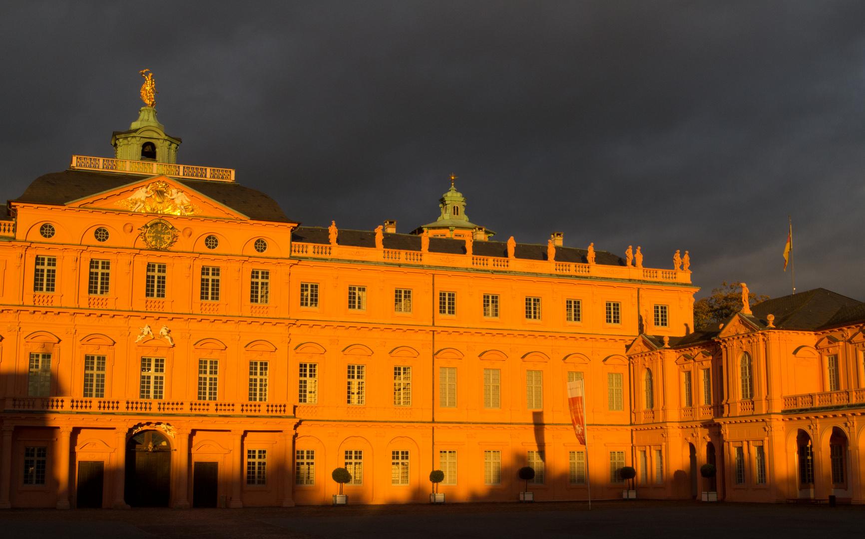 Rastatter Schloss angestrahlt von der Abendsonne