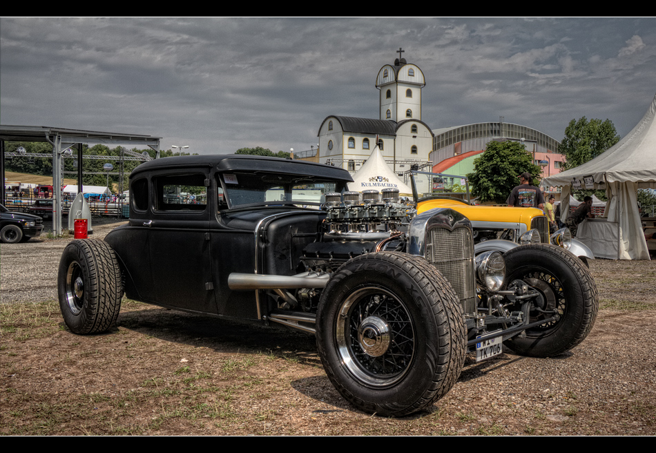 Rat Rod vs.BMW V12