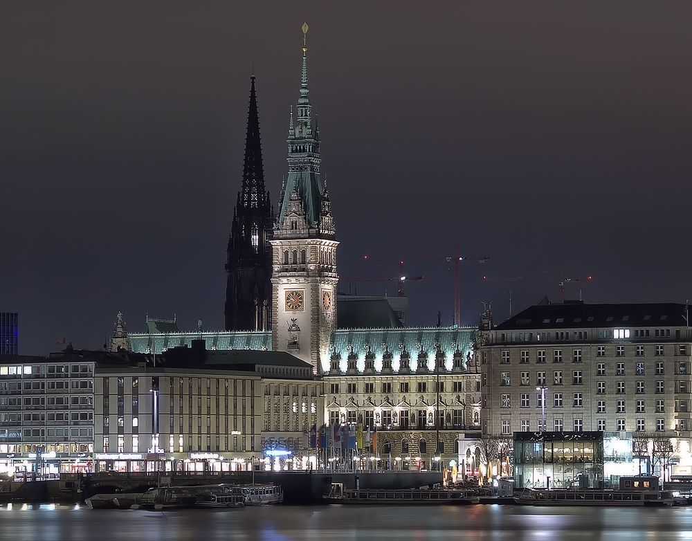 - Rathaus -