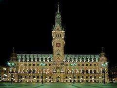 Rathaus im Grünlicht