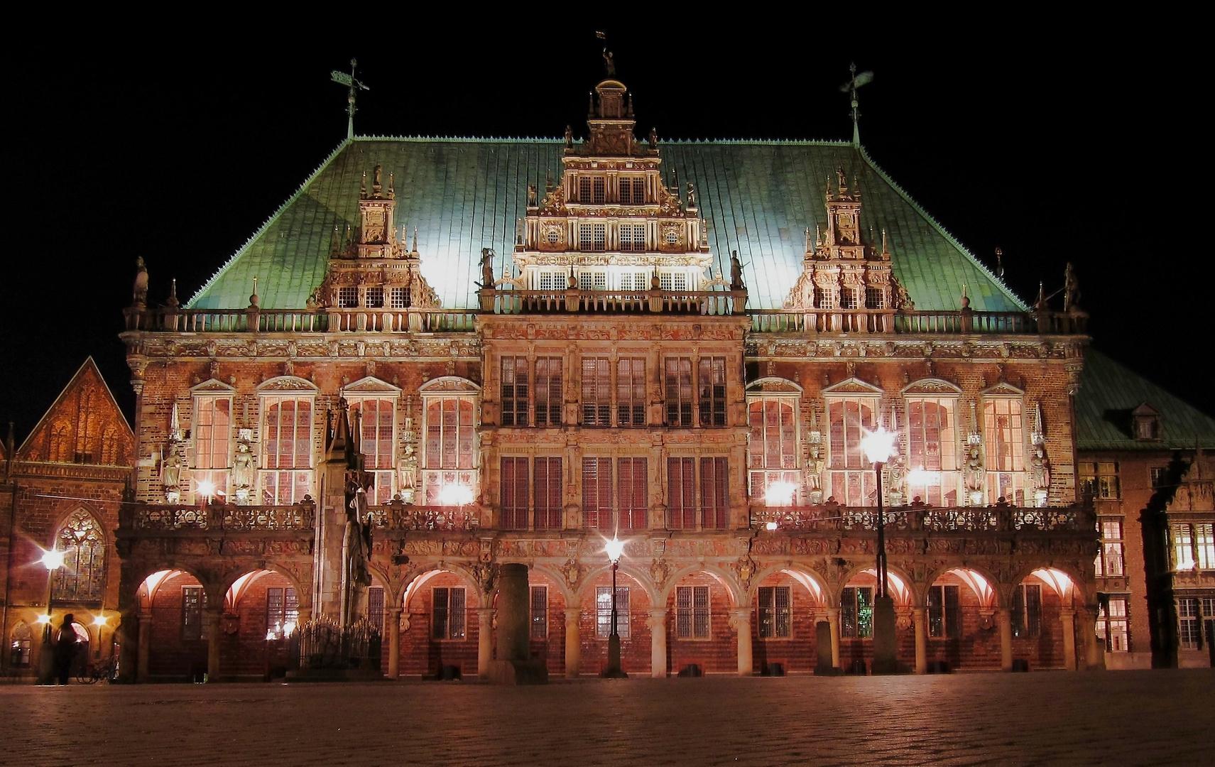 Rathaus in Bremen bei Nacht