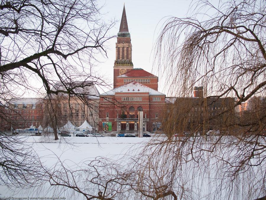 Rathaus kiel im winter foto bild architektur profanbauten regierungs verwaltungsbau - Architektur kiel ...