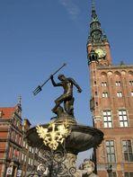 Rathaus und Neptunbrunnen in Danziger - Altstadt