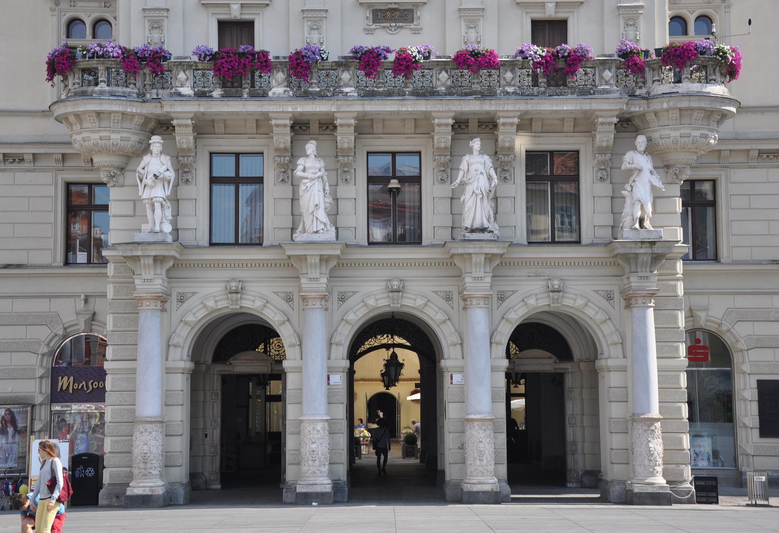 .. Rathauseingang ..