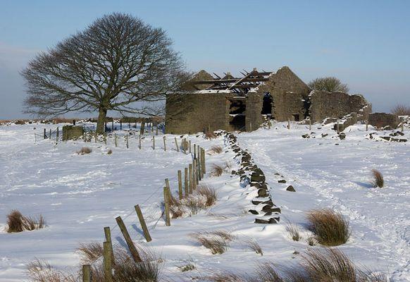 Ratten Clough farm barn ruins