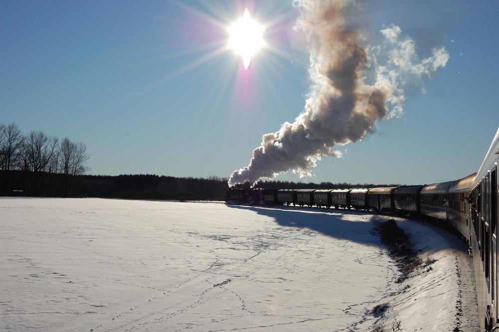 Rauch, Dampf, Schnee und Sonne