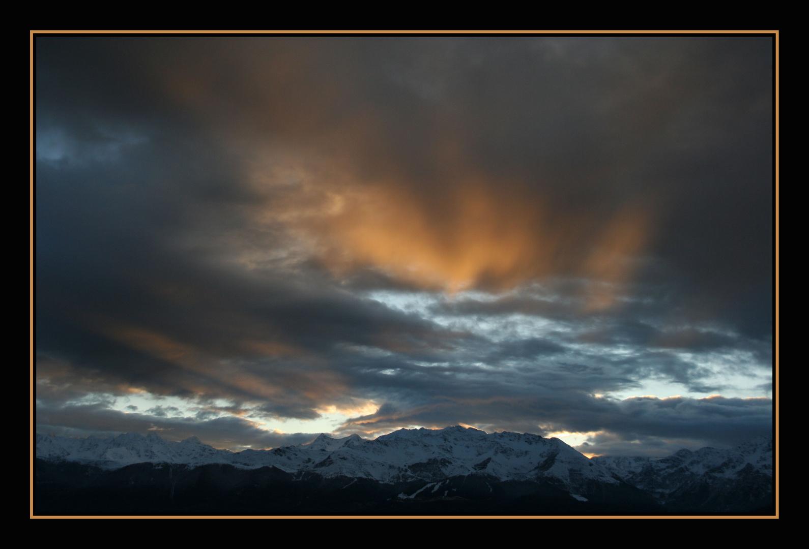 rayon de soleil au dessus de Belledonne au petit matin