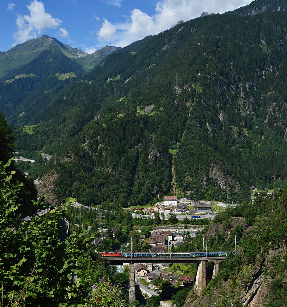Re 4/4 Kerstelenbachbrücke