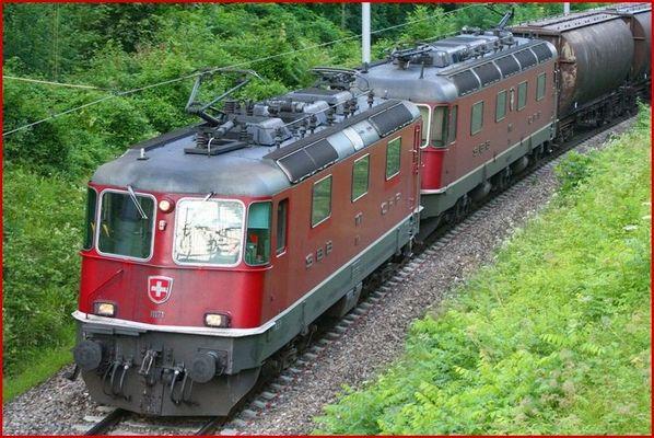 Re 4/4 nr. 11171 und Re 6/6 nr. 11645