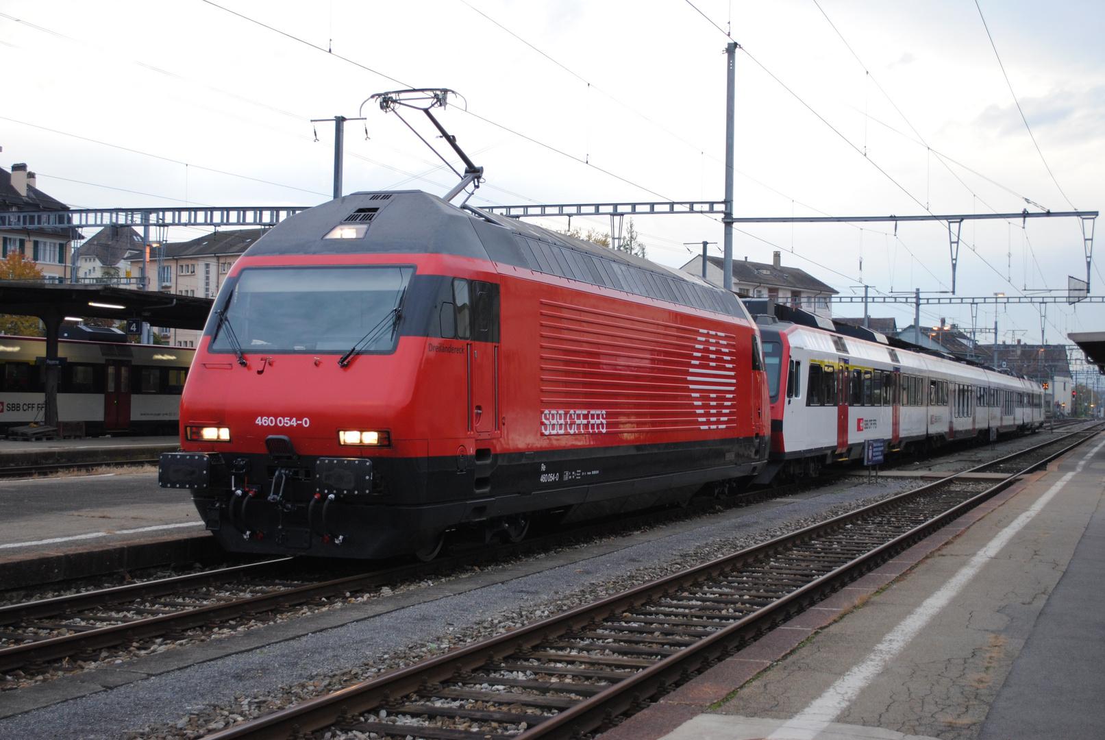 Re 460 + Domino, Gare Payerne