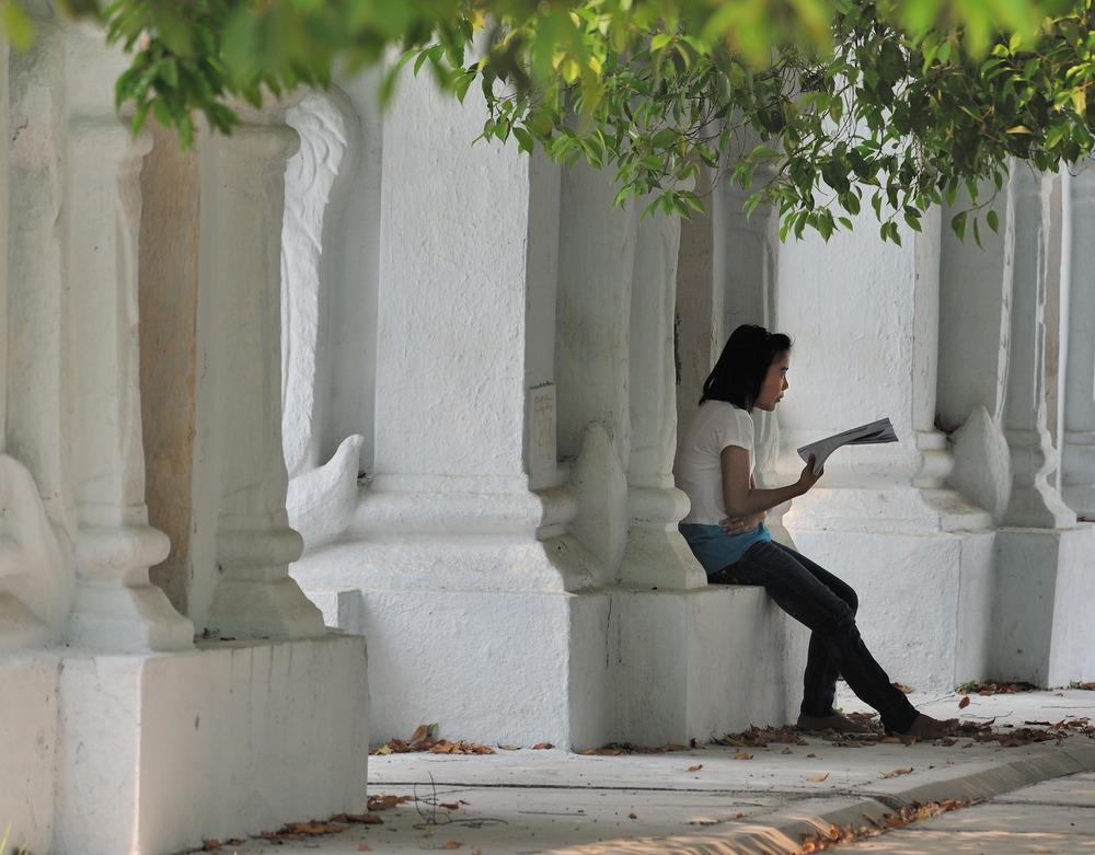 Reading in the Kuthodaw Pagoda