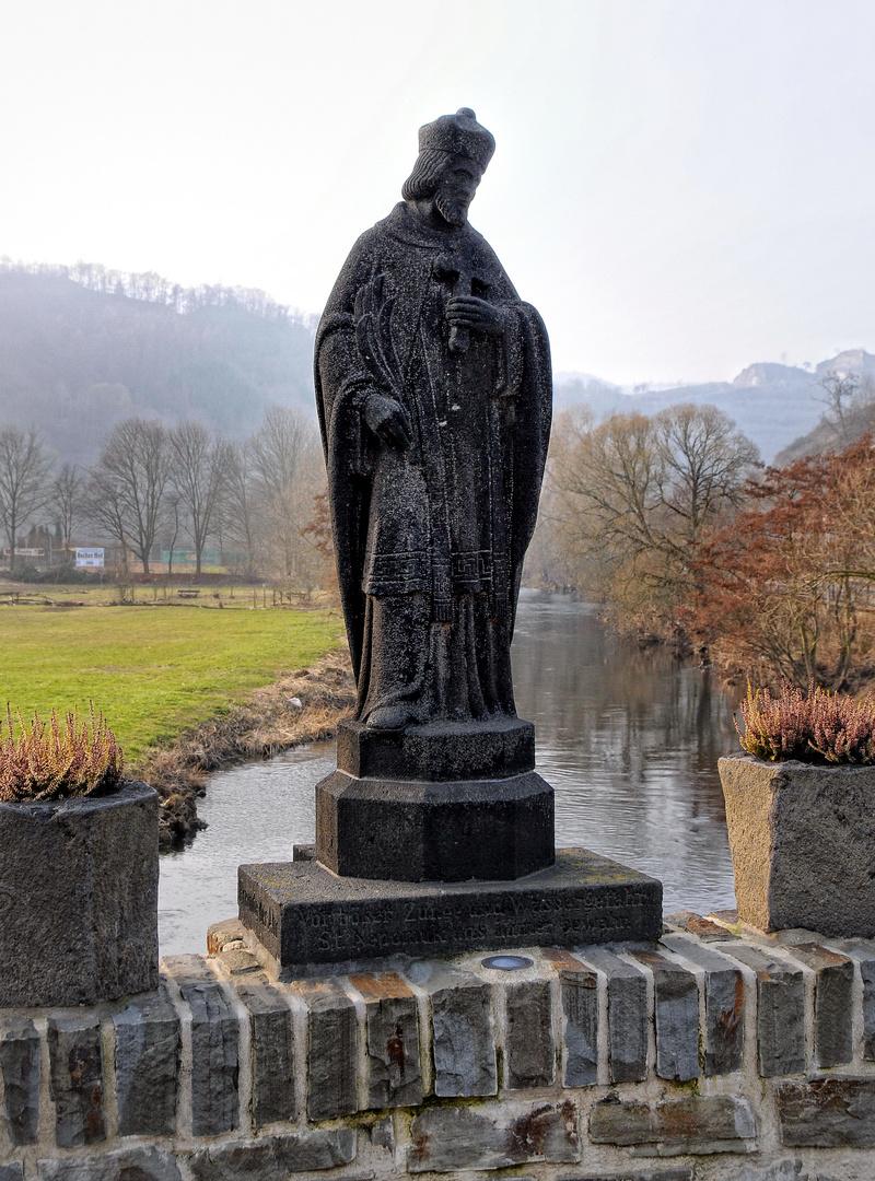 Rech an der Ahr: Brückenheiliger St. Nepomuk auf der Ahrbrücke