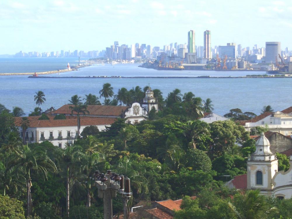 Recife che nasce dall mare