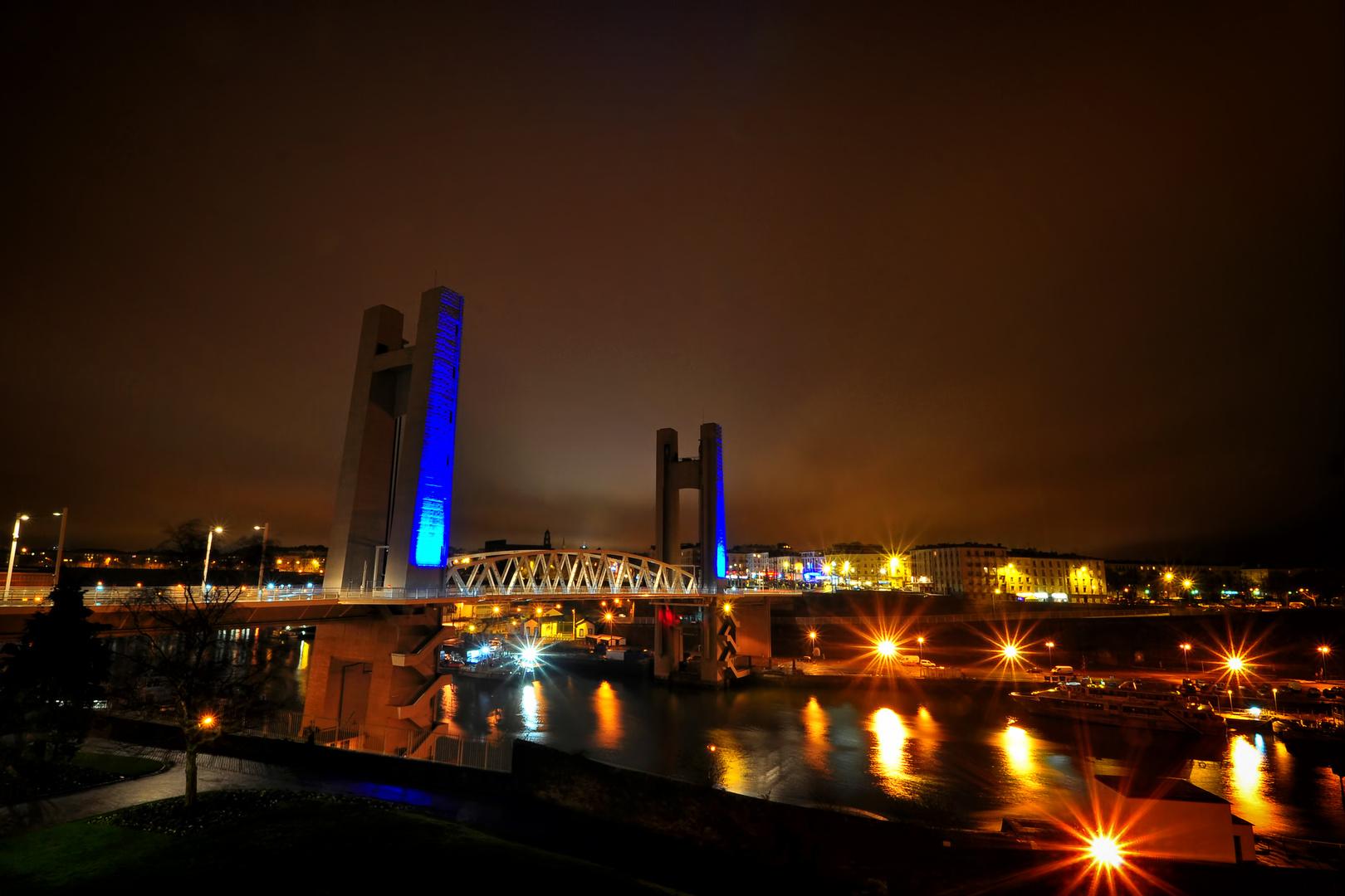 Recouvrance Bridge