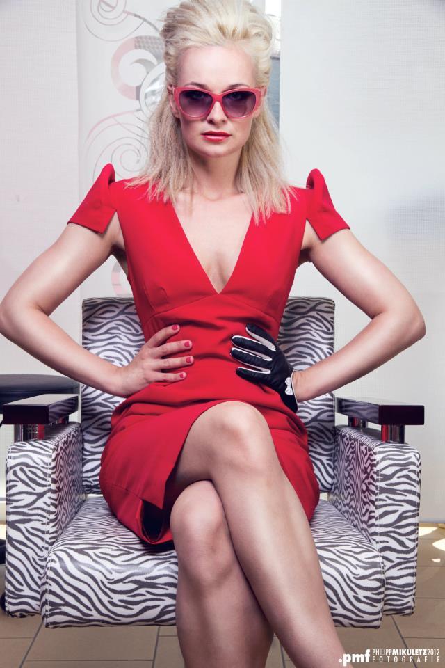 red blondi