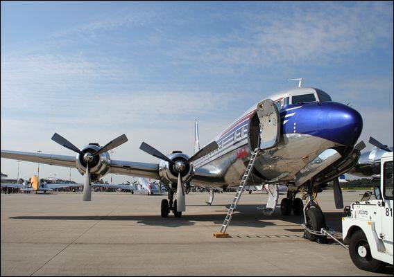 Red Bull DC-6B Airport Days